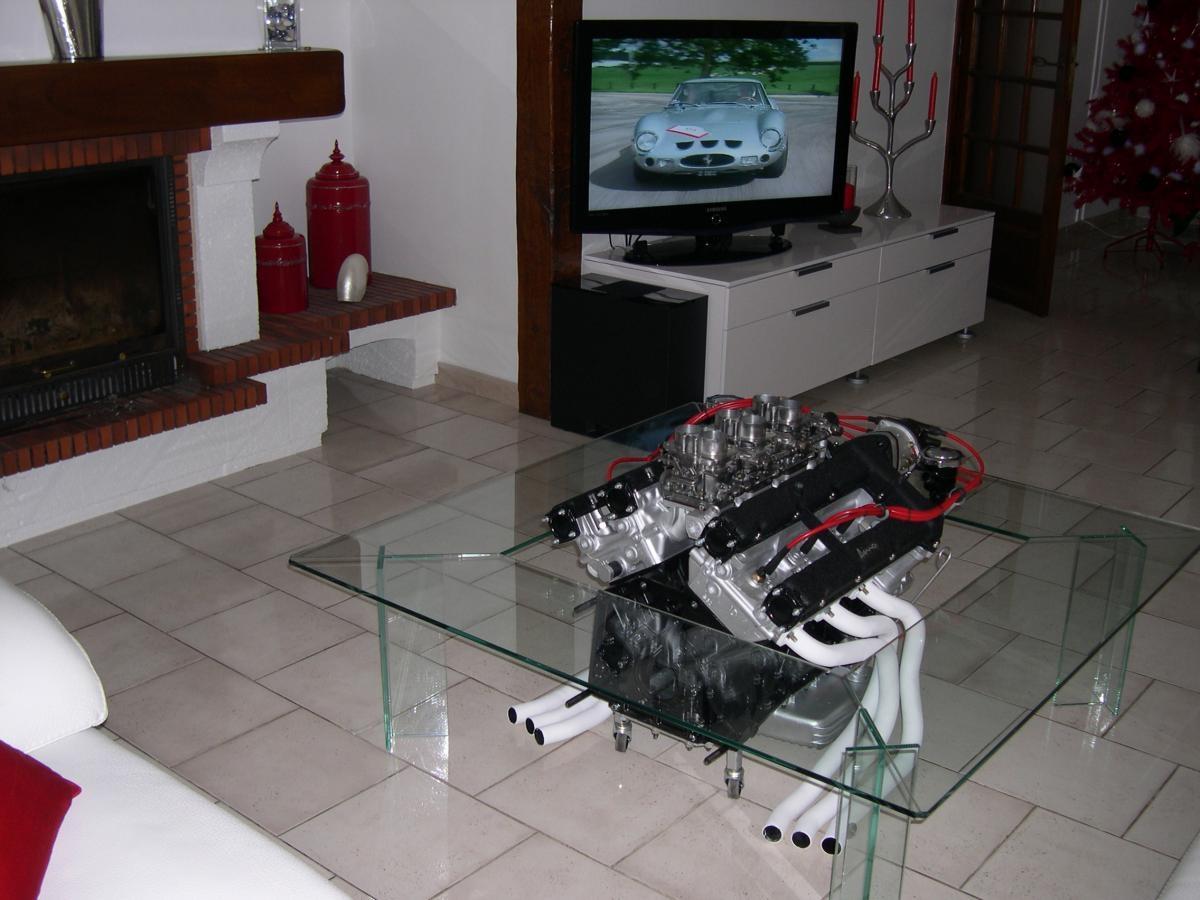 Table basse en verre moteur
