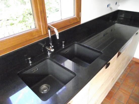 plan de travail granit noir mat lille maison. Black Bedroom Furniture Sets. Home Design Ideas