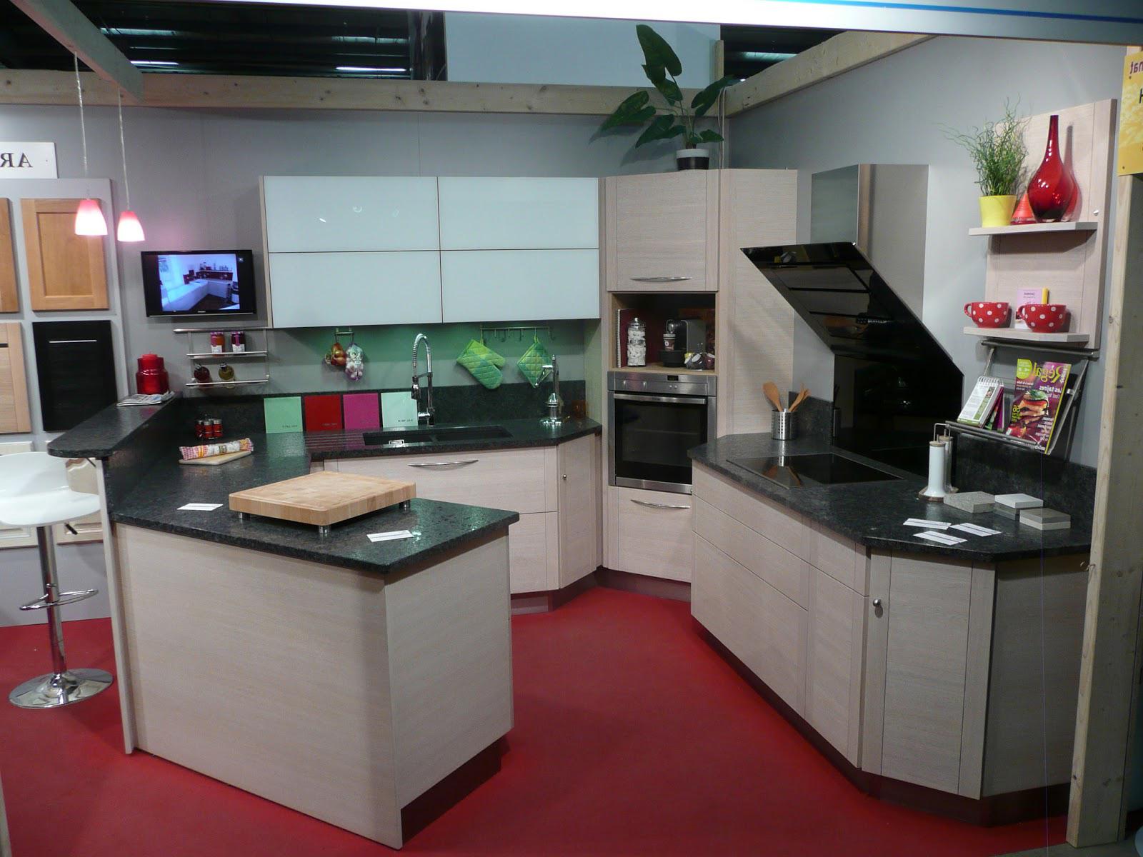 meuble d 39 angle four cuisine lille maison. Black Bedroom Furniture Sets. Home Design Ideas