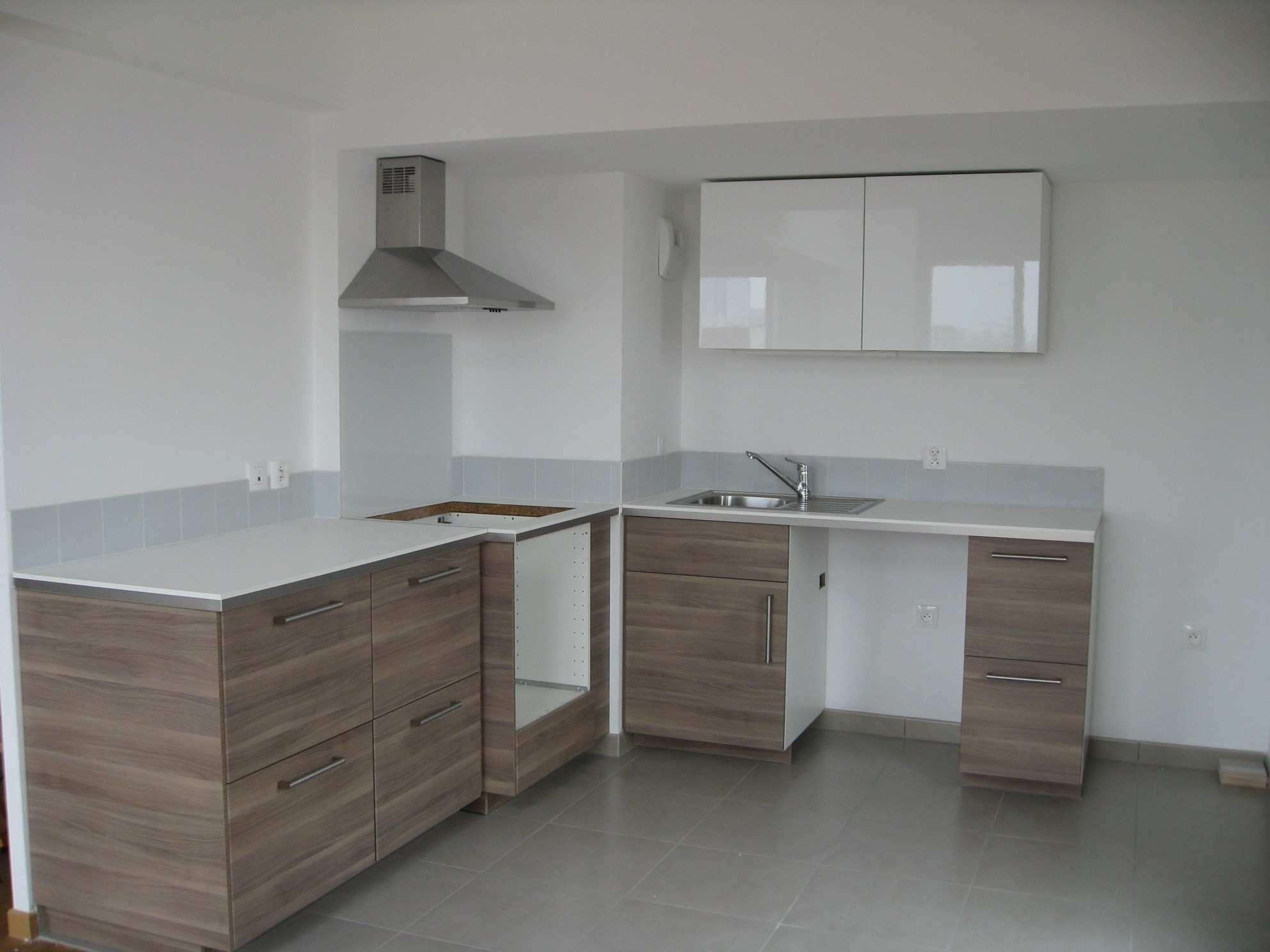 fixation meuble haut cuisine ikea metod  lillemenagefr