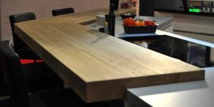 Comment traiter un plan de travail en bois massif
