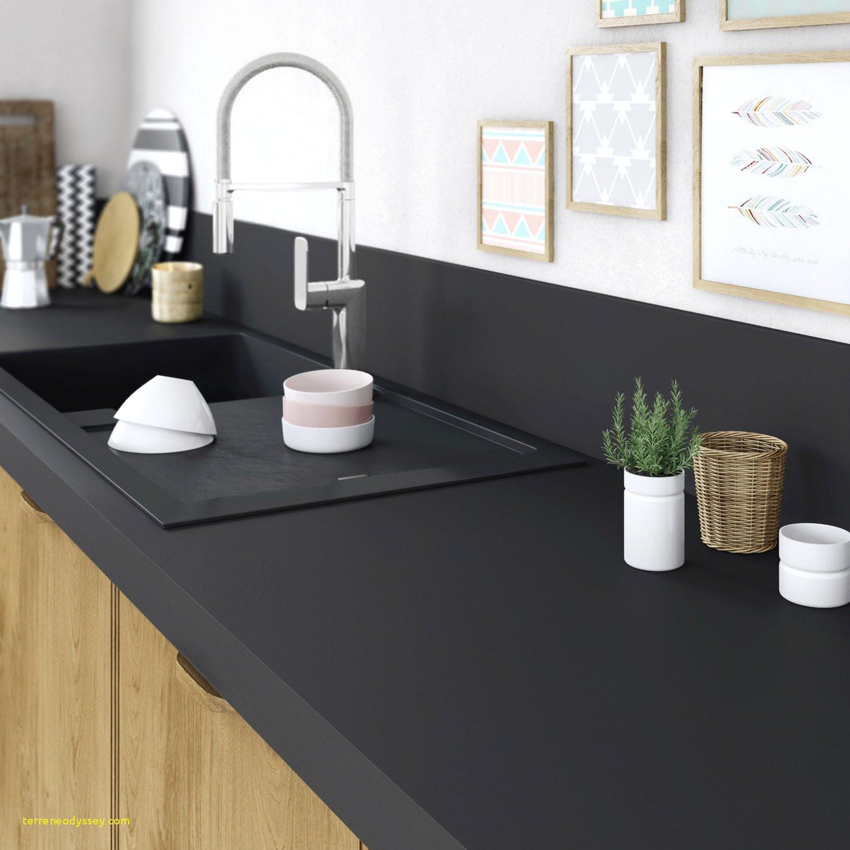 Plan de travail noir effet marbre