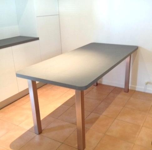 plan de travail en bois avec pied lille maison. Black Bedroom Furniture Sets. Home Design Ideas