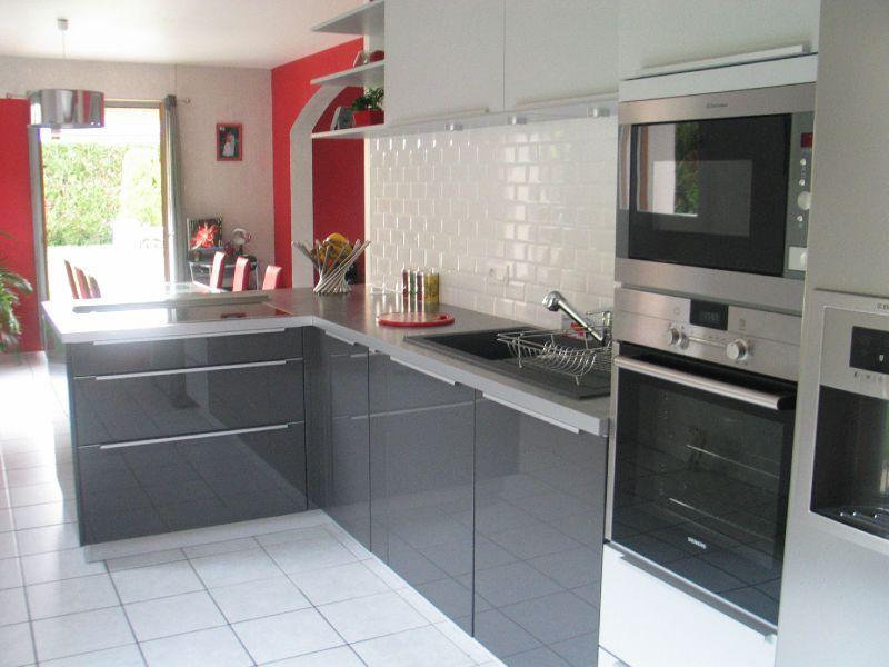 photo cuisine gris laque lille maison. Black Bedroom Furniture Sets. Home Design Ideas