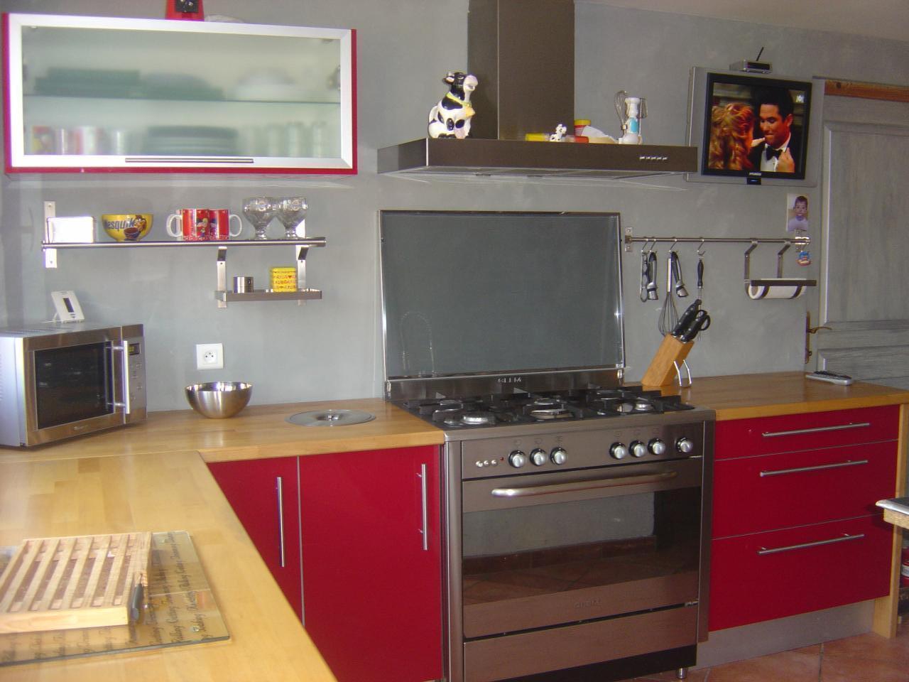 Idee de deco pour une cuisine rouge lille maison - Deco rouge cuisine ...