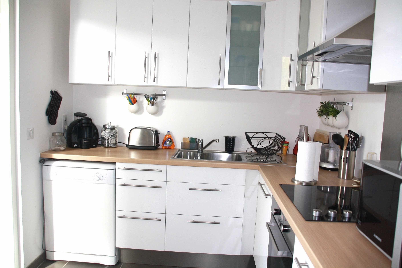 Cuisine blanche plan de travail bois ikea lille menage - Cuisine blanche avec plan de travail bois ...