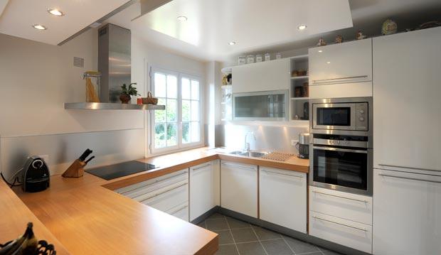 Plan de travail cuisine laqu blanc lille maison - Cuisine bois et blanc laque ...