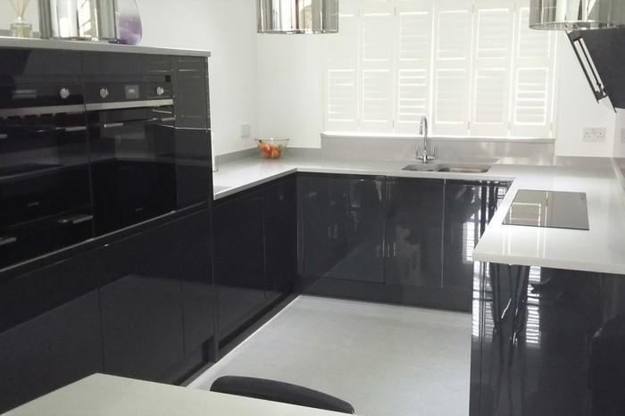 cuisine blanche plan de travail gris beton lille maison. Black Bedroom Furniture Sets. Home Design Ideas