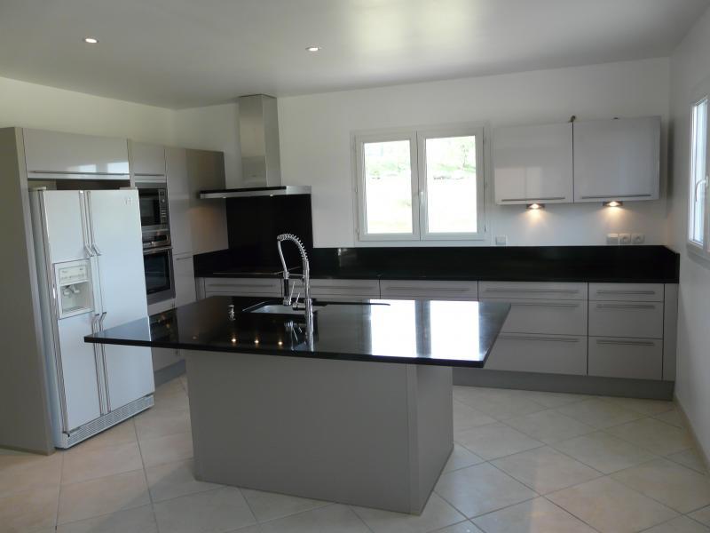 Plan de travail cuisine granit noir zimbabwe lille maison - Plan de travail cuisine noir ...